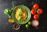 pasta italiana ingredienti texture scura