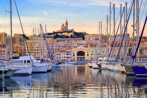 Papiers peints Navire Yachts in the Old Port of Marseilles, France