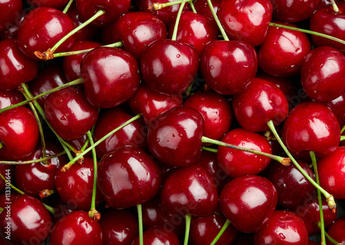 Aluminium Kersen Cherry Background. Sweet organic cherries