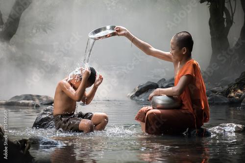 Papiers peints Buddha shower