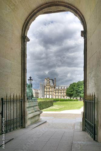 Poster Eingang zum Louvre
