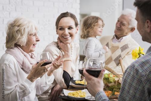 Billede Happy family gathering