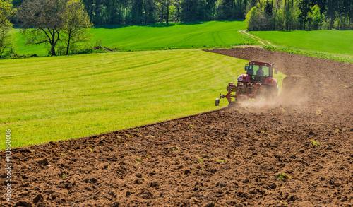 Papiers peints Cappuccino Acker Feld Landwirtschaft Traktor