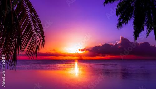 Papiers peints Morning Glory Tahiti Sunset