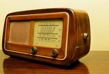 Vecchia radio valvolare, vintage