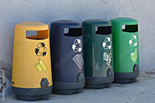 Poster Papeleras para reciclar