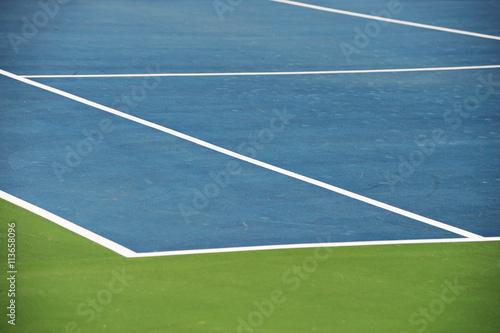 Aluminium Tennis close up on tennis court