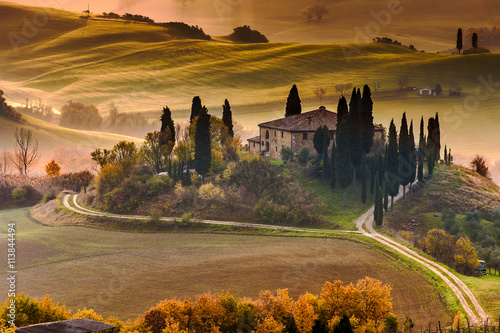 Deurstickers Toscane Tuscany Farmhouse Belvedere at dawn, San Quirico d'Orcia, Italy