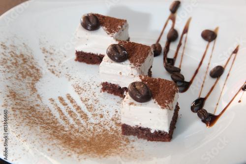 Fotobehang Koffiebonen dessert with coffee grains
