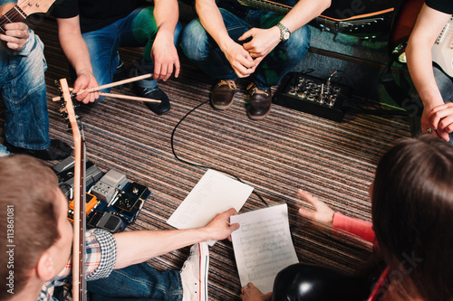 Póster Music Band Training Song Discussion Teamwork Cretivity Repetition Lifestyle Conc