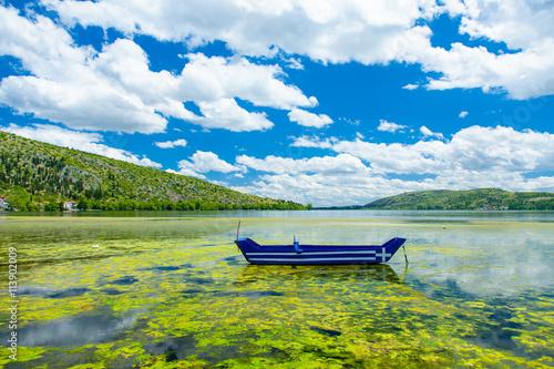 Zdjęcia na płótnie, fototapety, obrazy : photo of the blue boat