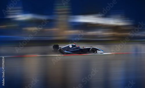 Fotobehang Formule 1 Formula 2.0 races down the streets