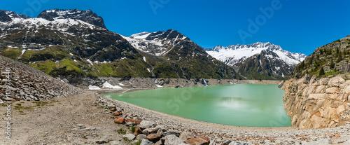 Foto op Plexiglas Bergen Göschneralpsee am St. Gotthard Pass
