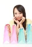 買い物三昧の女性