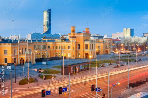 Zdjęcia na płótnie, fototapety na wymiar, obrazy na ścianę : Main Railway Station in the morning in Wroclaw, Poland