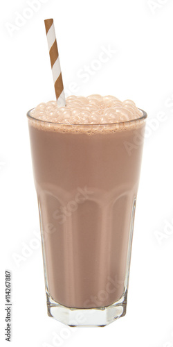 Papiers peints Lait, Milk-shake chocolate milkshake in a tall glass isolated
