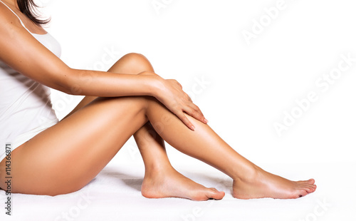 Perfect Legs - Beauty Of Smooth Skin With Epilation