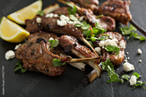 Lamb chops with herbs and feta