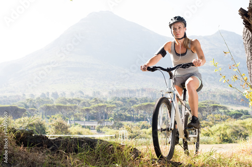 Poster Maure woman cycling