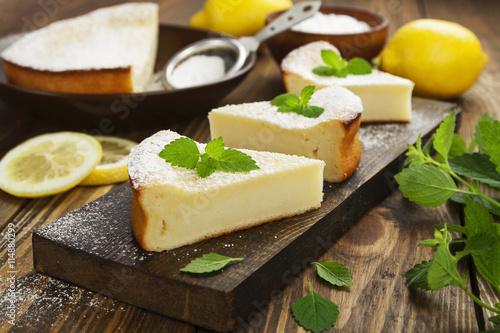 fototapeta na ścianę Homemade lemon pie