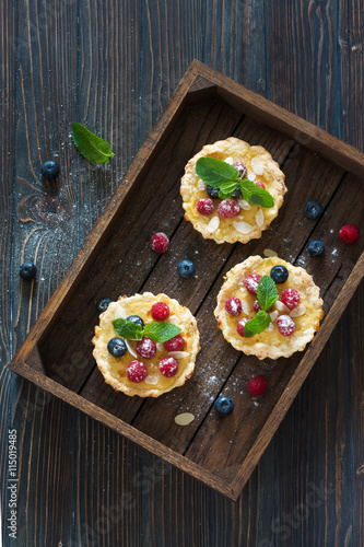 obraz lub plakat Tarts with fresh berries
