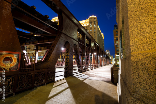 Poster Chicago Wells Street drawbridge in Chicago at dusk