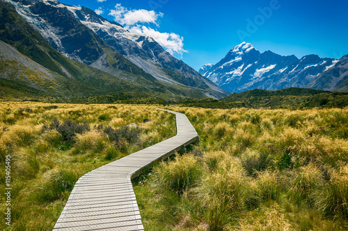 fototapeta na ścianę Mount cook from the Hooker Valley, Mt cook is New Zealand highest Mountain
