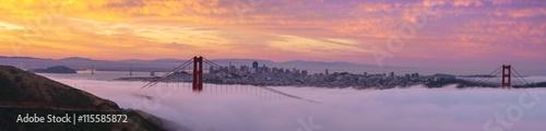 wczesnie-rano-niskie-mgly-w-golden-gate-bridge