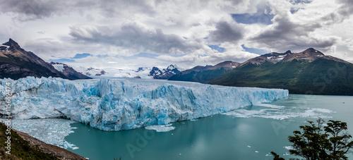 Foto op Plexiglas Antarctica 2 Panorama of Perito Moreno Glacier in Patagonia - El Calafate, Argentina