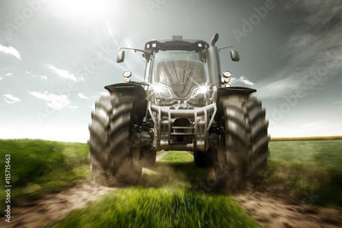 Poster Traktor auf Feldweg