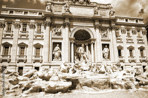 Fototapeta Italy. Rome. The famous Trevi Fountain built in the XVIII century.