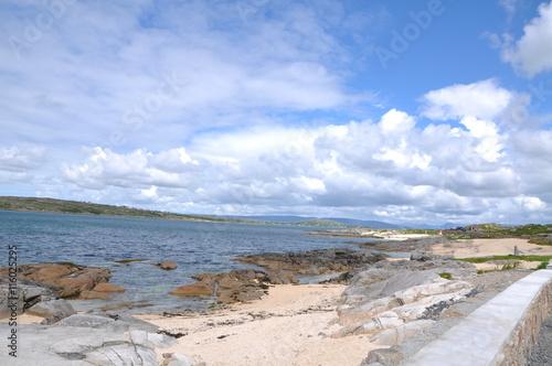 Fotobehang plage de sable fin et cotes irlande