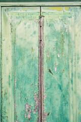 Alte Tür in türkis