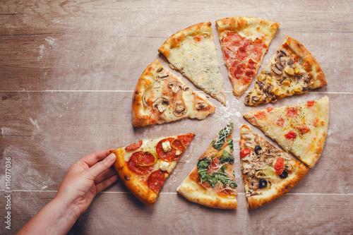Papiers peints Pizzeria slices of pizza