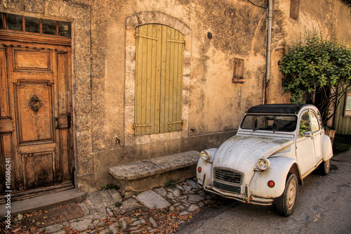 Tuinposter Nice Classic French car on a street in the Provence, France