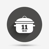 Boil 11 minutes. Cooking pan sign. Stew food