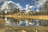 """Руины """"Птичника"""" в парке Зверинец на берегу реки Колпанки. Гатчина."""