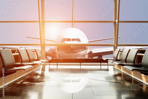 Flugzeug Blick vom Flughafen-Lounge im Flughafen-Terminal.