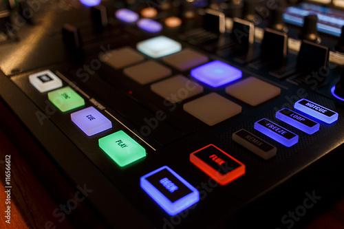 Poster DJ Midi Controller