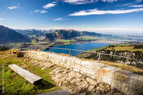 Blick auf das Berner Oberland und Thunersee, Schweiz