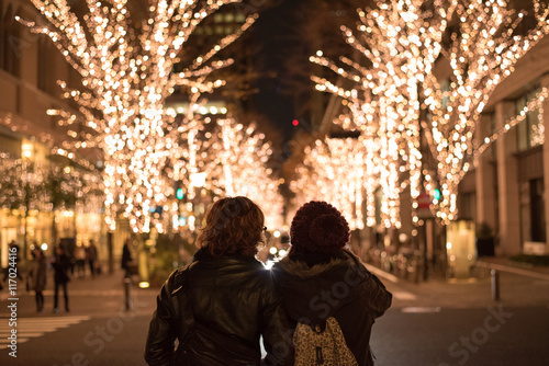 Fotobehang Tokio Asian couple with Christmas lights in Marunouchi, Tokyo