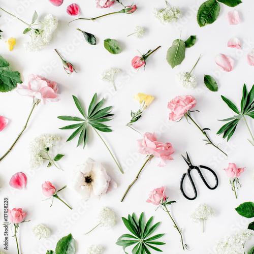 Zdjęcia na płótnie, fototapety, obrazy : pink roses and scissors on white background. flat lay, top view