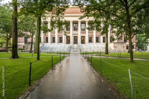 Foto op Aluminium Oude gebouw The historic architecture of Harvard University in Cambridge, Massachusetts, USA.