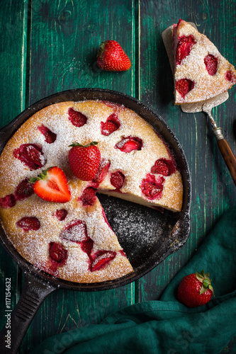 Poster rstic summer strawberry  cake on cast iron pan
