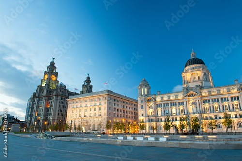 Poster Liverpool city centre - Three Graces, buildings on Liverpool's waterfront at nig