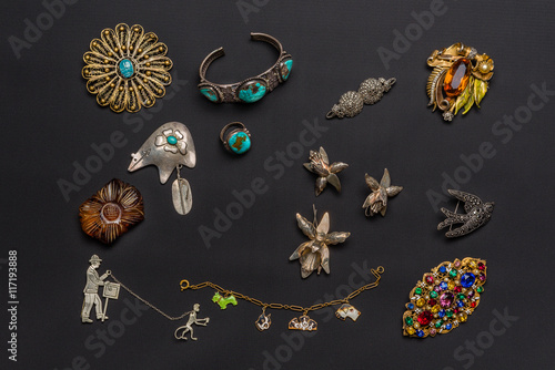 Poster Vintage antique jewelry collection isolated on a dark background