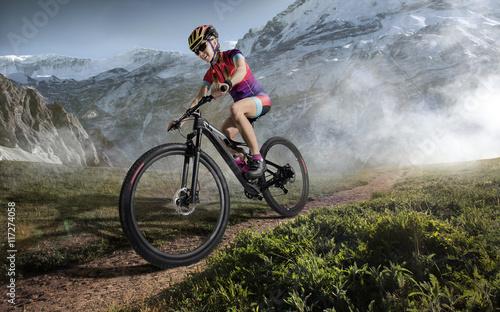 sport-rower-gorski-jazda-na-rowerze-jeden-utwor
