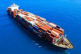 Duży pojemnik statku na morzu - Zdjęcie lotnicze