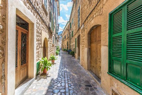 Traumhaft schöne Gasse in dem malerischen Soller in Mallorca