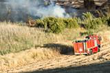 Camión de bomberos acudiendo a fuego